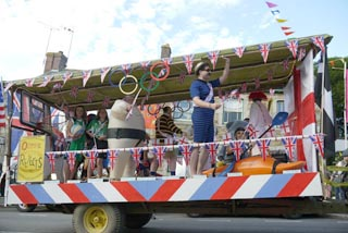 grampound-carnival-2013